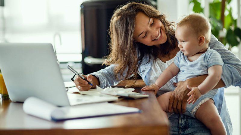 ¿Cómo adaptar un espacio en tu apartamento para el home office?